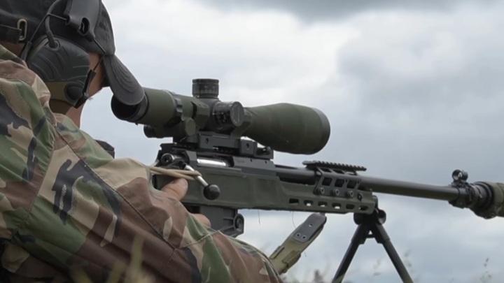 """""""Через баллистическую щель"""": под Смоленском снайперы тренировались в стрельбе"""