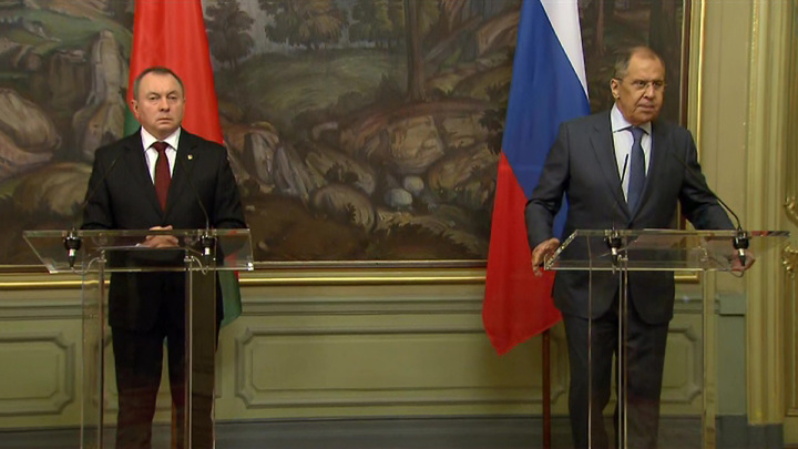 Задержанные россияне и гибридная война: переговоры Лаврова с Макеем