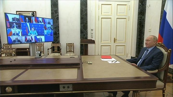 Путин обсудил с Совбезом встречу с Байденом