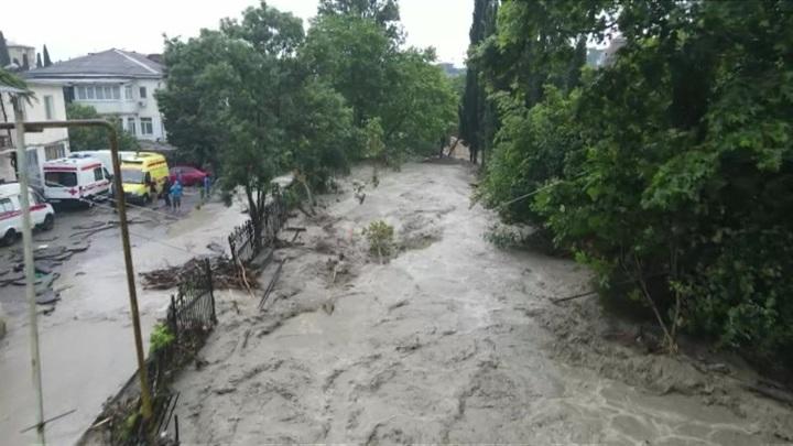 Ситуация в ялтинском регионе, пострадавшем из-за наводнения, стабилизировалась