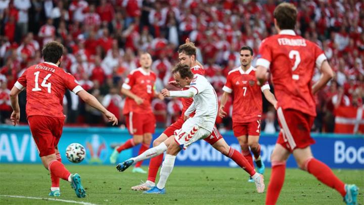 Россия уступает датчанам после первого тайма