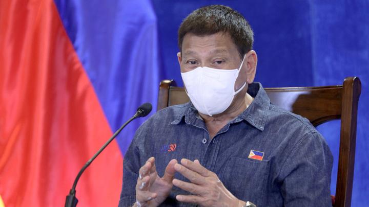 Я сделаю вам прививку для свиней: президент Филиппин начал войну с ковид-диссидентами