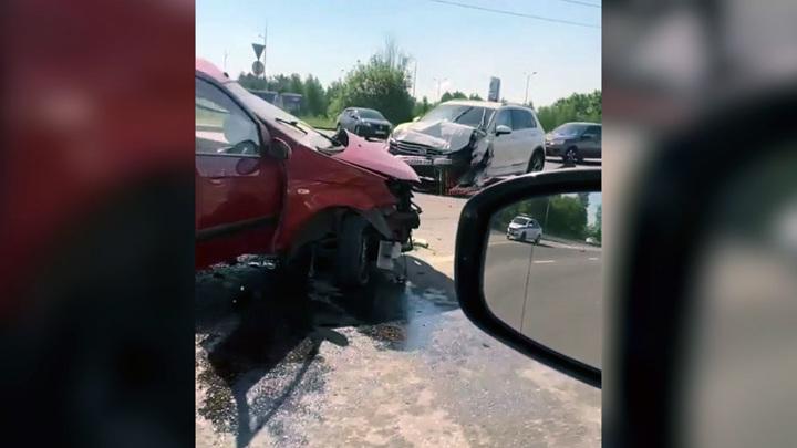 Поворот не туда: в Нижнем Новгороде погибла женщина в тройном ДТП