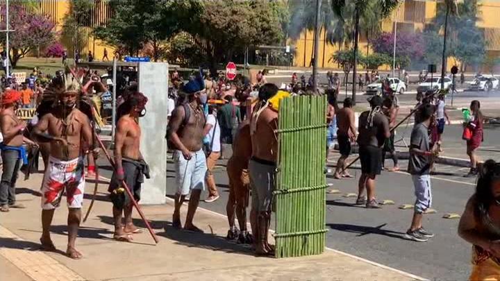 Акция протеста в столице Бразилии закончилась массовыми беспорядками