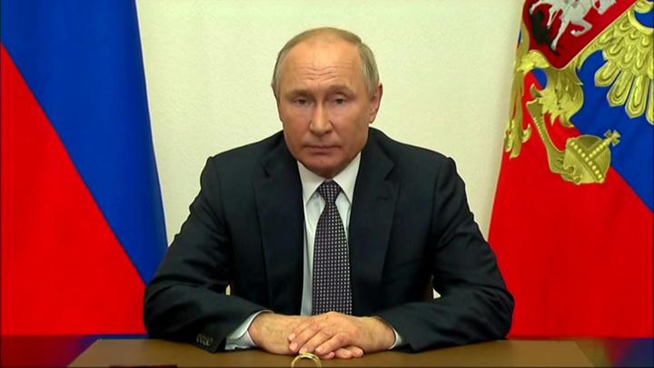 Путин: НАТО, наращивая потенциал у границ России, отказывается от диалога