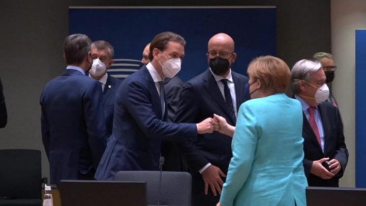 Отношения с Россией стали главной темой первого дня саммита ЕС