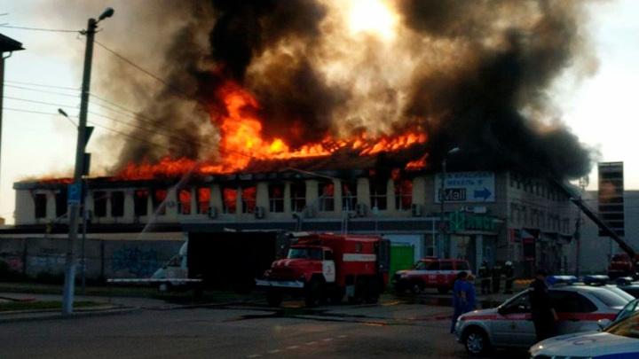 """Открытое горение в здании торгового центра """"Триумф"""" в Пензе ликвидировано"""
