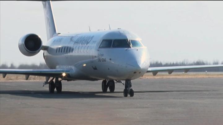 Борт с 90 пассажирами совершил вынужденную посадку в аэропорту Благовещенска