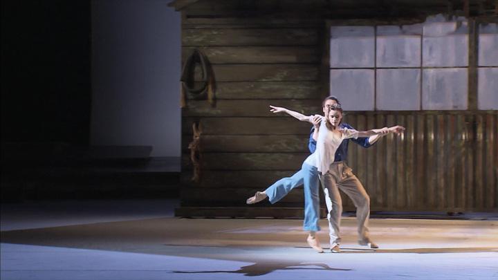 """Новая балетная реальность: в Большом театре прошла премьера """"Чайки"""""""