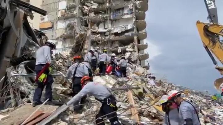 Количество погибших при обрушении дома в США увеличилось до 36