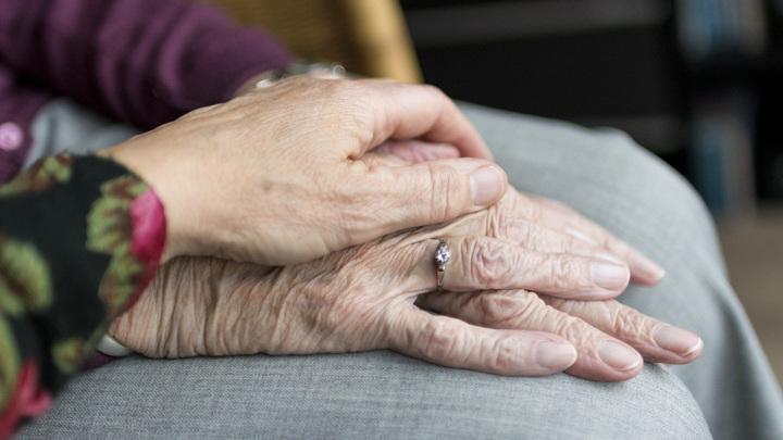 С таким калькулятором родственникам пожилых людей станет легче планировать будущее. Однако каково будет самим пациентам?