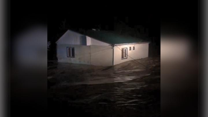 Краснодарский край заливает, ситуация близка к чрезвычайной