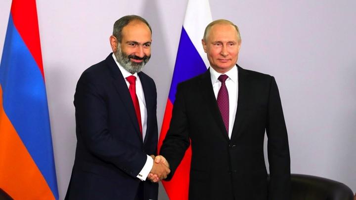 Путин поздравил Пашиняна с результатами выборов в Армении