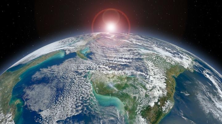 Орбита Земли подвержена циклическим изменениям, которые влияют на климат планеты. В своё время именно это спасло ранние формы жизни от гибели.