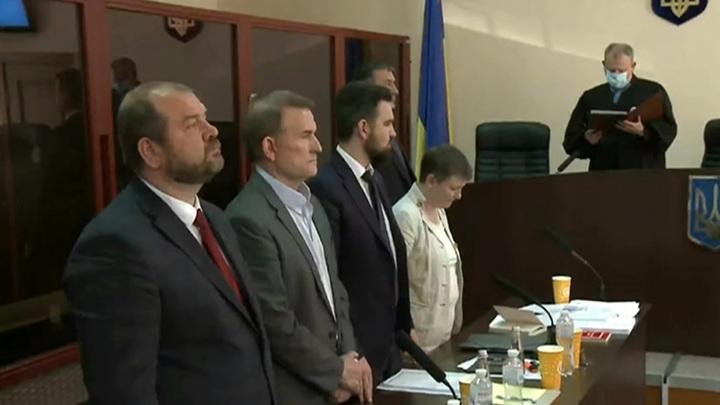 Суд в Киеве продлил срок домашнего ареста для Медведчука