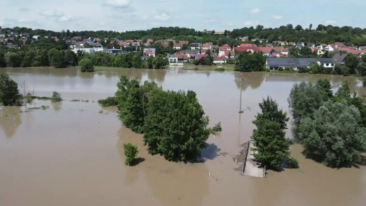 На Германию обрушились ливни: в Баварии затоплен целый город