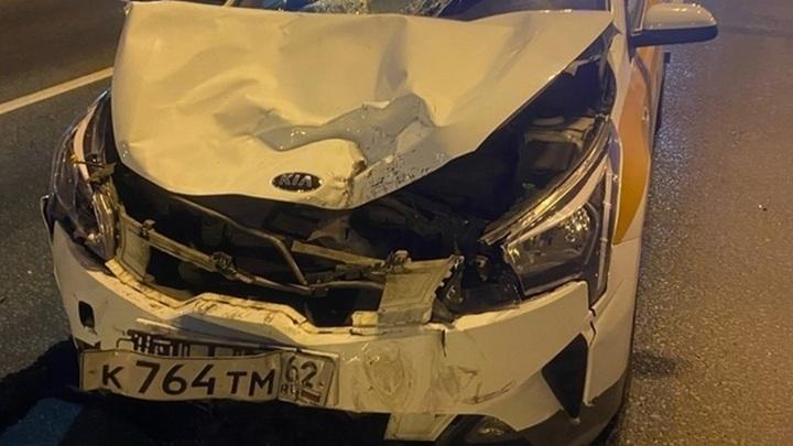 Таксист насмерть сбил толкавшего свой мотоцикл байкера на МКАД