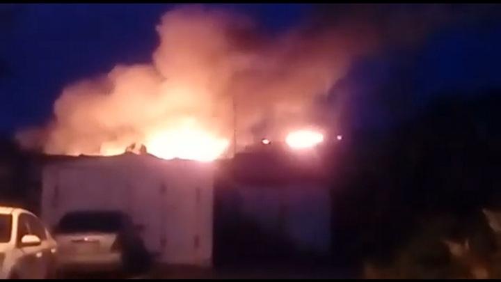 Прокуратура начала проверку после пожара на мусорном полигоне Новосибирска
