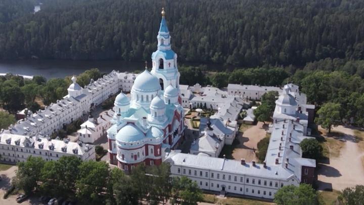 У Восточных ворот Валаамского монастыря открылась фотовыставка