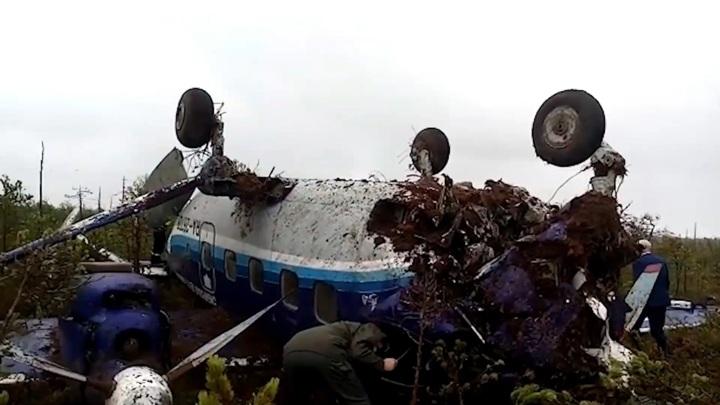 Преодолел 180 метров: место жесткой посадки Ан-28 сняли на видео