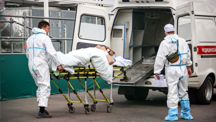 Число летальных исходов из-за коронавируса в России возросло за сутки на 799
