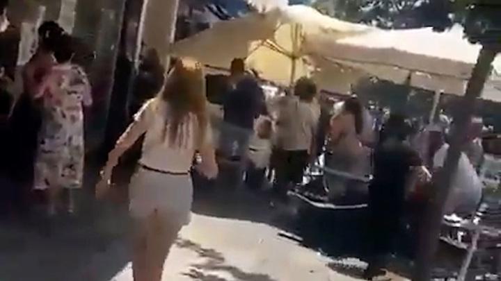 В Испании машина въехала в посетителей бара