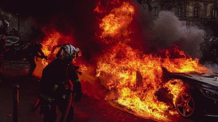 Убийца с факелом: воронежец поджег машину сотрудника СК
