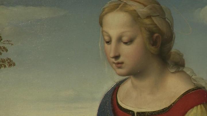 """В Эрмитаж привезли картину Рафаэля """"Прекрасная садовница"""""""