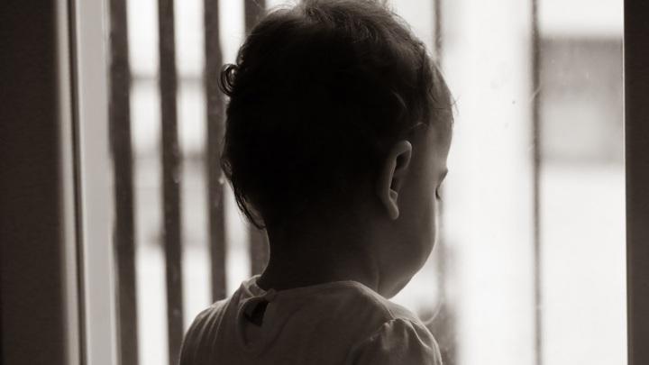 В Липецке спасли двухлетнего ребенка из запертой квартиры