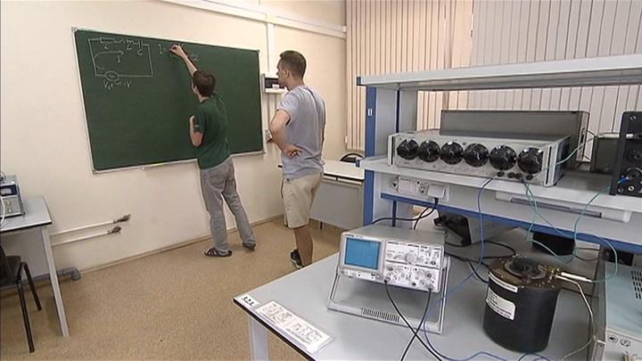 """Золото """"международки"""" по физике: российские школьники довели знания до пиковой формы"""