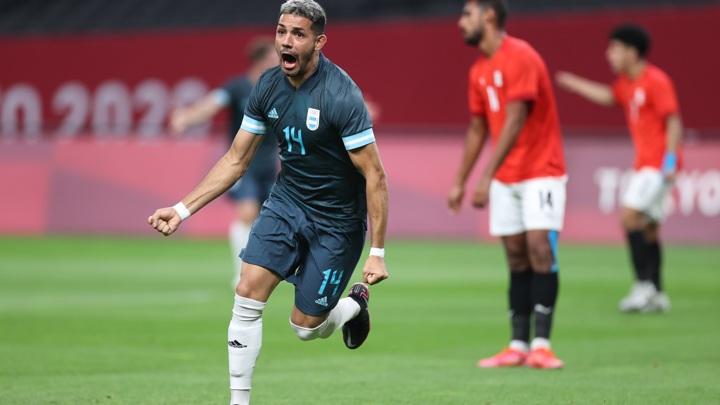 Футболисты Аргентины одержали первую победу на Олимпиаде