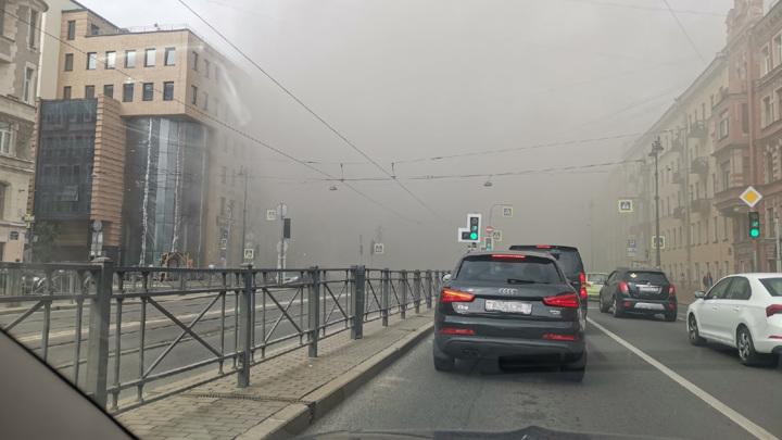 Один человек пострадал при пожаре в центре Петербурга