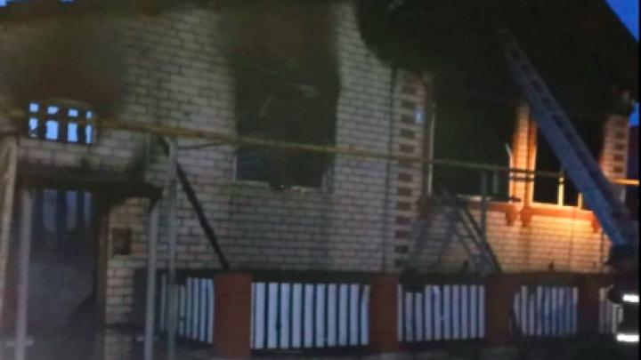 6-летний мальчик погиб при пожаре в Чувашии, еще один ребенок пострадал