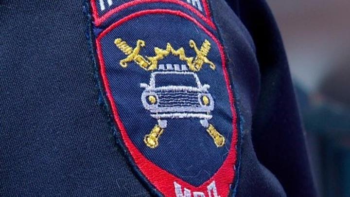В Калуге инспекторы ДПС помогли спасти жизнь ребенку