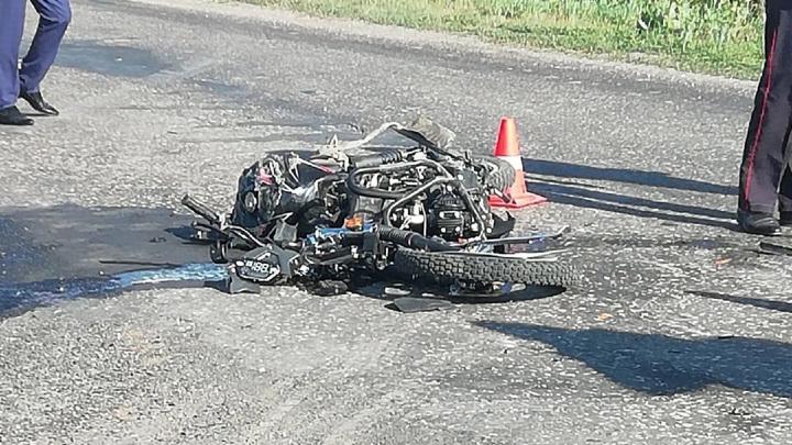 Во Владимире в результате столкновения КамАЗа и мопеда погибла 10-летняя девочка
