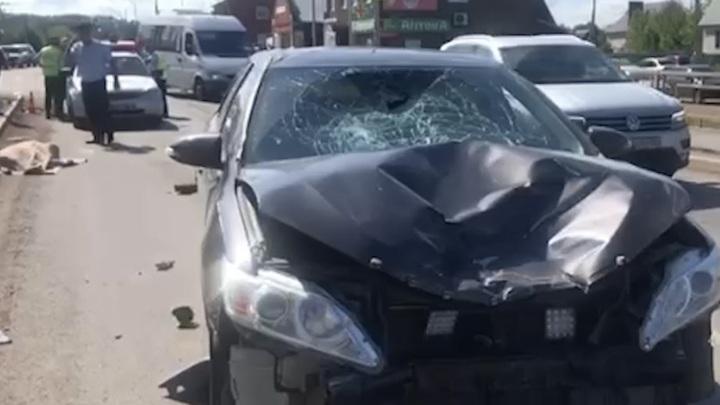 В Башкирии пенсионер на скутере въехал в иномарку и погиб на месте