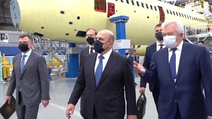 Поездка в Иркутск: Мишустину показали, как собирают самолет МС-21