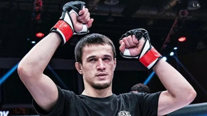 ММА. Усман Нурмагомедов одержал 13-ю победу на турнире Bellator