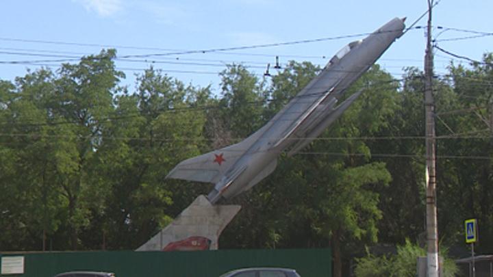 Самолет-памятник МиГ-21 в Волгограде отреставрируют