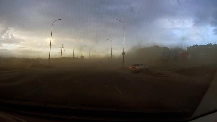 Самарцы показали поездку в эпицентре пылевой бури