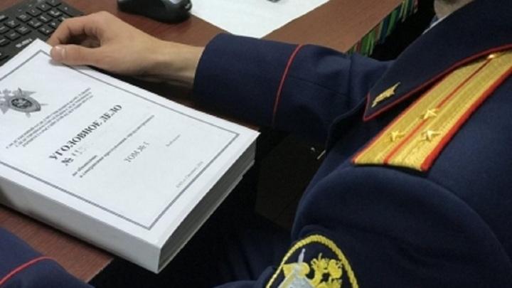 В Липецкой области двое мучжин проникли в квартиру женщины для выяснения отношений