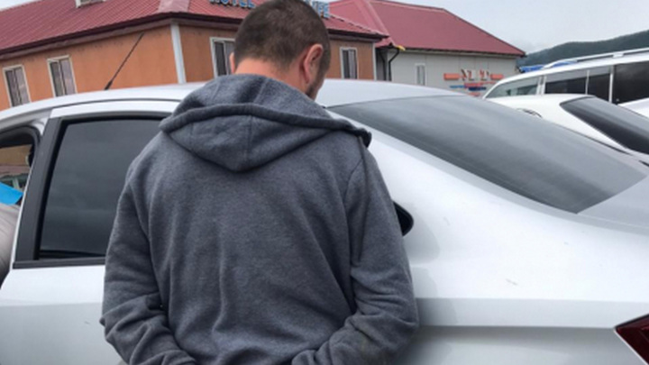 Заявившего о ненависти к русским мигранта задержали во Владивостоке