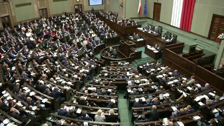 Закон о реституции: поляков и евреев вновь разделила история