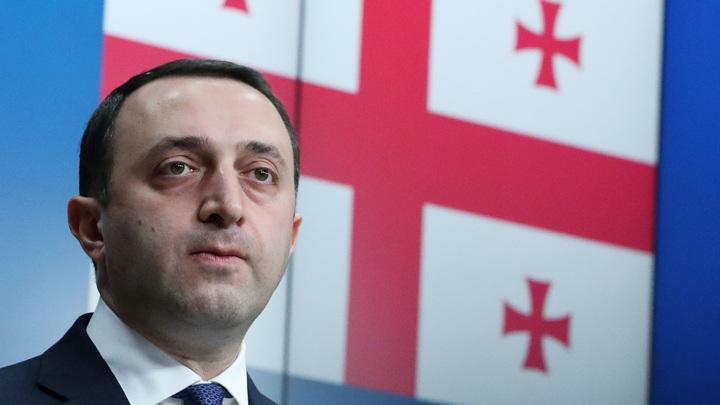 Премьер Грузии пообещал Саакашвили комфортную тюрьму и набор галстуков