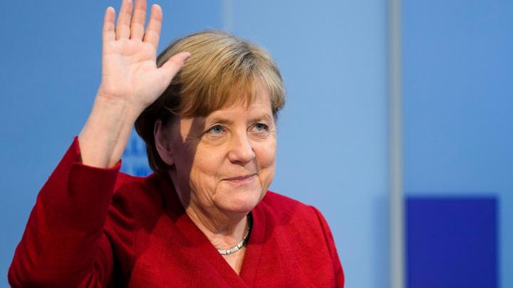 Канцлер ФРГ после отставки останется в Берлине
