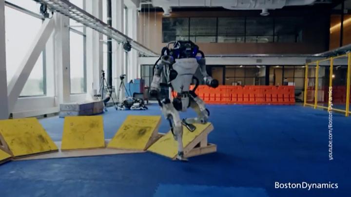 Boston Dynamics показала мир глазами роботов