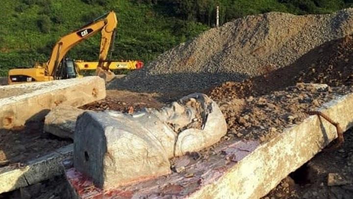 По факту сноса памятника Гагарину на Сахалине возбуждено уголовное дело