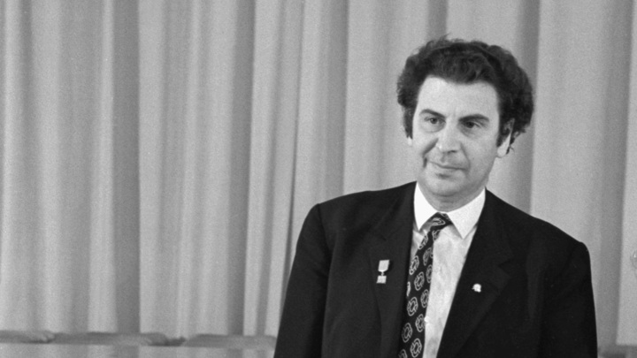 Ушел как коммунист: в Греции умер автор знаменитого сиртаки