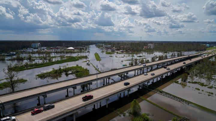 "В США из-за урагана ""Ида"" погибли 22 человека"
