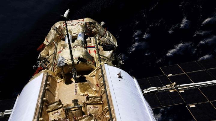 Космонавты Новицкий и Дубров успешно завершили работу в открытом космосе